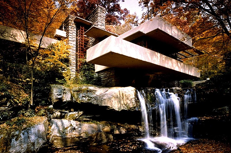 Frank Lloyd Wright, Falling Water House.
