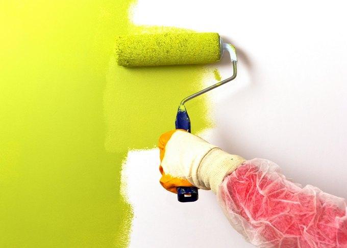 обязательно сделайте пробную выкраску на стене
